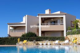 Well Kept 2-bed apartment on a golf resort near Carvoeiro
